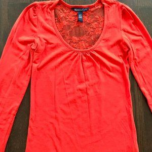 Long Sleeves Top with Lace trim Back from Bluenote